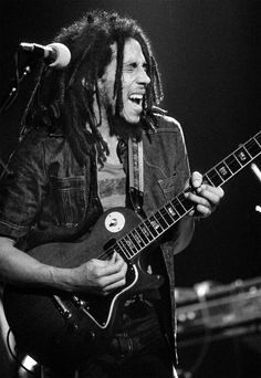 """""""There's definitely a synchronicity between music and photography."""" Bob Marley on stage with The Wailers during the Natty Dread Tour - 1975 Bob Marley Kunst, Bob Marley Art, Bob Marley Quotes, Image Bob Marley, Easy Guitar, Guitar Tips, Bob Marley Pictures, Marley Family, Photo Exhibit"""