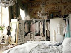 Room-Closet