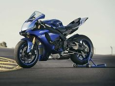 Yamaha YZF-R1 Wins German Design Award Yamaha Motor has announced that the firm's flagship supersport motorcycle the YZF-R1 has been selected as the winner of the transportation category of the 'German Design Award' competition. Source:www.drivespark.com Yamaha YZF-R1 Wins German Design Award This feat from the Japanese motorcycle maker marks the first nomination for this award. The motorcycle was selected as a first-time category winner out of 4000 entries competing for this award. Yamaha…
