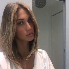 #MelissaSatta Melissa Satta: Rinfrescata taglio e capelli by @marcorossicoppola @simonaghezzi1