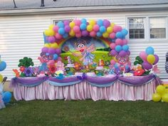 I hope Brielle loves Sesame St. when she turns 3.....this would be a dream bday party!!