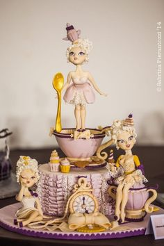 EDITOR'S CHOICE (10/08/2014) Tea time by Rossella Curti View details here: http://cakesdecor.com/cakes/160815-tea-time