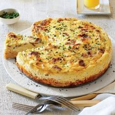 "Bacon-and-Cheddar Grits Quiche - Filling Breakfast Casseroles - Southernliving. Spread cheese to the edge of the warm, bacony grits ""crust"" to prevent any custard from seeping out while the quiche bakes.Recipe: Bacon-and-Cheddar Grits Quiche Breakfast And Brunch, Breakfast Dishes, Breakfast Recipes, Breakfast Quiche, Grits Breakfast, Sunday Brunch, Southern Breakfast, Easter Brunch, Breakfast Ideas"