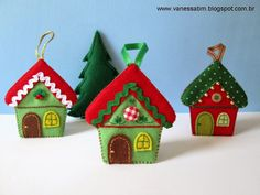precious little felt house ornaments Vanessa Biali: Natal Christmas Sewing, Christmas Projects, Handmade Christmas, Felt Christmas Decorations, Felt Christmas Ornaments, Christmas Houses, Gingerbread Crafts, Felt House, House Ornaments
