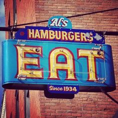 Beautiful Oldschool Signage ____ Hamburgers Neon Sign From my hometown of Green Bay! Older era advertising that has that family business feel. Sadly it no longer exists. Old Neon Signs, Vintage Neon Signs, Old Signs, Diner Sign, Retro Signage, Roadside Signs, Electric Signs, O Gas, Hotels
