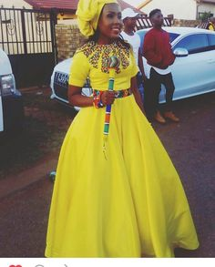 Trendy shweshwe dresses for umembeso 2019 shweshwe dresses for umembeso 2019 African Print Dress Designs, African Print Dresses African . Zulu Traditional Attire, African Traditional Wedding Dress, Traditional Fashion, Traditional Outfits, Modern Traditional, African Wedding Attire, African Attire, African Wear, African Fashion Designers