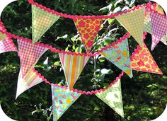 Ric rac and fabric bunting by Rosina Huber. Bunting Ideas, Party Bunting, Bunting Garland, Banner Ideas, Girls Tea Party, Tea Party Birthday, Girl Birthday, Birthday Ideas, Sewing Ideas