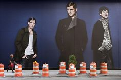 'Decisive moments' in front of billboards –