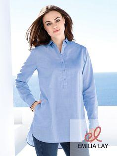 Stylische Bluse von Emilia Lay.
