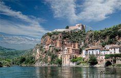 Olvídate de la máquina del tiempo teniendo estos 18 lugares inolvidables en España. Un recorrido que tienes que ver al menos una vez en la vida.