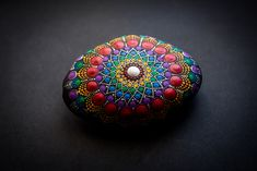 Dotted Stone in Rainbow Colors Stone Painting, Rainbow Colors, Painted Rocks, Switzerland, Class Ring, Mandala, Dots, Stones, Creative