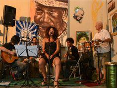 O Espaço Comunidade, criado em 2012, promove no bairro Monte Azul, zona sul, atividades artísticas e culturais.