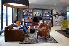 #easyCredit_de #bibliothek #officedesign #TeamBank #zukunftderarbeit #worklifebalance Work Life Balance, Design, Furniture, Home Decor, Architecture, Projects, House, Decoration Home, Room Decor