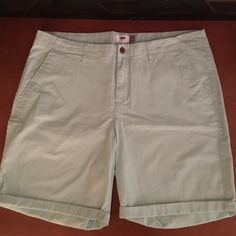 Aqua Old Navy Bermuda Shorts sz 16 like new! Aqua colored! Old navy brand! size 16! 5 inch inseam! Great for summer! Old Navy Shorts Bermudas