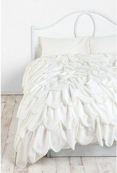 Urban Outers Sched Scallop Ruffle Duvet Cover A Little Y But Must Have I Could Do So Much With This