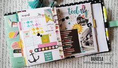 Le ragazze del design Team di Hobby di carta presentano con tanto entusiasmo i loro progetti creativi realizzati con la tecnica e i materiali dello Scrapbooking. Fonte inesauribile di idee, seguitele nelle loro sperimentazioni e lasciatevi conquistare dalla loro fantasia e creatività.