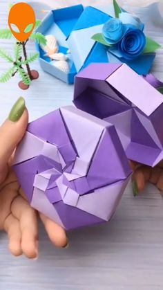 DIY Clever Paper Craft Hacks - knitting is as easy as 3 knitting . - DIY Clever Paper Craft Hacks – knitting is as easy as 3 Knitting boils down to three essent - Diy Crafts Hacks, Diy Crafts For Gifts, Diy Arts And Crafts, Creative Crafts, Diy Projects, Creative Ideas, Instruções Origami, Paper Crafts Origami, Easy Paper Crafts
