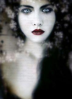Scarlett (The Queen of Hearts)