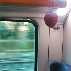 """Mi piace"": 11, commenti: 4 - Gio Bruni (@princess_bruni) su Instagram: ""Cuoricini in viaggio... #EITcraftivism #handmaderevolution #craftivism"""