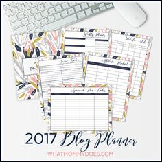 Want to organize your life for FREE? Check out this collection of over 40 awesome free printable 2017 calendars and planners at Sparkles of Sunshine today.