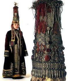 Medieval Costume, Folk Costume, Costumes, Historical Costume, Historical Clothing, Traditional Fashion, Traditional Dresses, Costume Ethnique, Ethnic Fashion