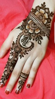 New Indian Mehndi Designs For Bridal; Mehndi design is the world famous art. In the world Indian Mehndi Designs by Pakistani Henna Hand Designs, Eid Mehndi Designs, Latest Bridal Mehndi Designs, Mehndi Designs For Girls, Simple Mehndi Designs, Henna Tattoo Designs, Mehandi Designs Arabic, Arabic Design, Mehndi Tattoo