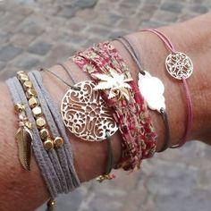 Conjunto de pulseiras em camurça e fios com filigranas muito bonitas