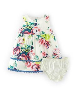 Clothing, Shoes & Accessories Girls' Clothing (sizes 4 & Up) Mini Boden Apple Dress & Bloomers *bnwt* Age 3-4 Years Smoothing Circulation And Stopping Pains