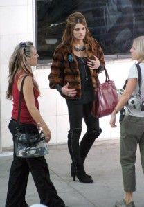 Ashley Greene, plus connue sous les traits d'Alice Cullen dans la Saga Twilight, deviendrait-elle plus bankable que ses consoeurs du Twicast ? On peut aisément se poser la question : elle semble ravir le coeur d'une grande partie des fans et surtout les...