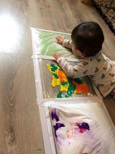 Jeudi matin j'ai réalisé une activité pour Emy, 9 mois ❤. Elle qui adore explorer le monde qui l'entoure, toucher la moindre texture nouvelle et surtout tout mettre à la bouche. Je sava…