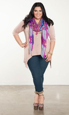 Marcy Guevara - Plus size fashion