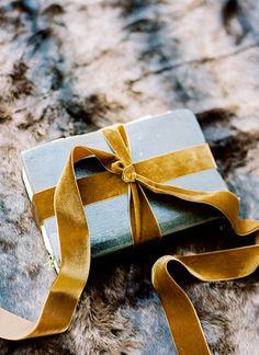 Christmas Hanukkah, Christmas Gift Wrapping, Christmas Holidays, Christmas Decorations, All Gifts, Holiday Gifts, Holiday Decor, Creative Birthday Gifts, Birthday Presents