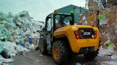JCB 516-40 Loadall. Compact and Efficient in Waste Handling