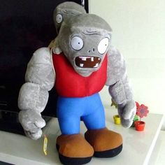 Amazon.com: Plants vs Zombies Style Gargantuar Toy Made of Polypropylene 30 cm: Home & Kitchen