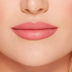 Shop Too Faced's Peach Kiss Moisture Matte Long Wear Lipstick – Peaches and Cream Collection at Sephora. A hydrating matte lipstick with intense color. Best Matte Lipstick, Peach Lipstick, Lipstick Tube, Long Wear Lipstick, Natural Lipstick, Pink Lipsticks, Lipstick Shades, Lipstick Colors, Lip Colors