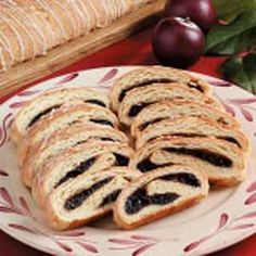 Great-Grandma's Prune Roll Recipe -Here's an old-fashioned favorite that's sure to bring back memories of home cooking. The vanilla glaze adds a perfect hint of sweetness. Prune Bread Recipe, Prune Danish Recipe, Bread Recipes, Cooking Recipes, Grandma's Recipes, Cooking Tips, Prune Cake, Prune Recipes, Danish Food