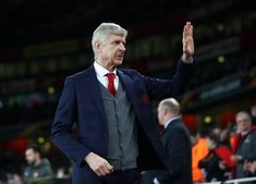 Former Arsenal manager Arsene Wenger is currently jobless but it is now reported that PSG are ready to appoint him as their new general manager in January. Arsenal News, Arsenal Fc, Arsene Wenger, London Clubs, Shocking News, Soccer News, Soccer Stars, Football Match, Arsenal F.c.