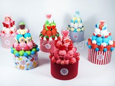 Tartita Rosa | Sweet Design Candy Cakes, Candy Favors, Candy Gifts, Baking Packaging, Marshmallow Cake, Bar A Bonbon, Sweet Trees, Sweet Box, Chocolate Bouquet