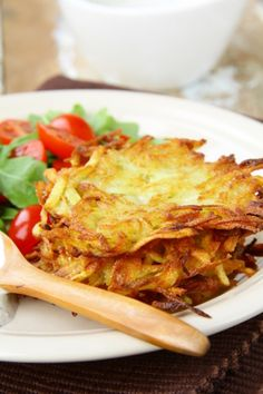 Potato Pancakes can be combined with other ingredients, and may be served as hors doeuvres or appetizers, at brunch, lunch, or dinner; Potato Dishes, Potato Recipes, Brunch Recipes, Breakfast Recipes, Great Recipes, Favorite Recipes, Vegetarian Bake, Potato Pancakes, Jewish Recipes