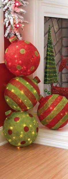 Fabriquer ces boules de Noël géantes version XXL et les personnaliser avec des guirlandes lumineuses