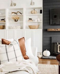 Small Cozy Living Room Decor Ideas For Your Apartment To rest your head when a Netflix binge turns into a Netflix nap or to rest your feet on when you're tired of sitting up straight, pillows are the foundation of a cozy living room. Cozy Living Rooms, Home Living Room, Living Room Designs, Living Room Decor, Living Spaces, Barn Living, Living Room Pillows, Room Rugs, Living Room Inspiration