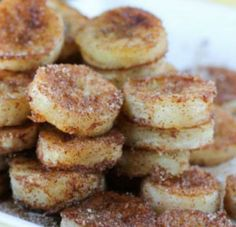 20 Healthy Ripe Banana Recipes (that aren't banana bread or smoothies!) These pan fried cinnamon bananas are a perfect way to use up overripe bananas! Delicious Desserts, Dessert Recipes, Yummy Food, Yummy Easy Snacks, Diy Snacks, Quick Snacks, Brunch Recipes, Banana Frita, Comidas Light