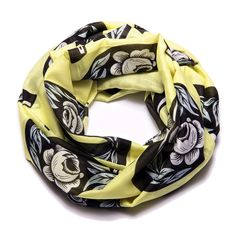 With hugs and kisses - a sunny scarf printed on a fine cotton-silk blend.