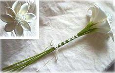 single flower bridesmaid bouquet with greenery | Wedding | Pinterest ...