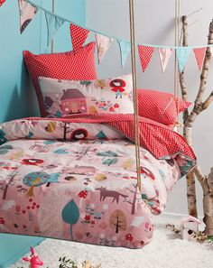 Floating bed- anchor back to wall, rope front edge - Little Red Riding Hood Bedroom