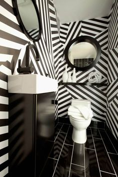 Black and White Wallpaper in the Bathroom