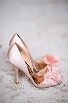 Blush Bridal Shoes | Casa Feliz wedding photographed by Kristen Weaver Photography