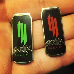 #Repost @zzpins  GIVEAWAY ZZ Pins is going to giveaway a pair of Skrillergy pins! Here are the rules: 1-like this picture 2-comment a number between 1-10000 3-follow our Instagram! You can also tag a friend for extra guesses. The giveaway will end Sunday at 7pm ET.  GOODLUCK! Also check out our etsy shop in our bio #pins #giveaway #giveaways #hatpins #skrillexpin #skrillex #skrillexfan #dubstep #monster #energydrink #pingame #pintrade #pinspinspins #softenamel #art #pinart #edm #edmmusic…