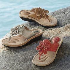 Monroe and Main  Latin Palm Thong Sandal
