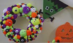 How to Make a Halloween Pom Pom Wreath